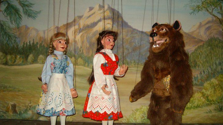 Schneeweißchen und Rosenrot Marionettentheater